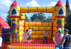 childrens_bouncy_castle_small.jpg