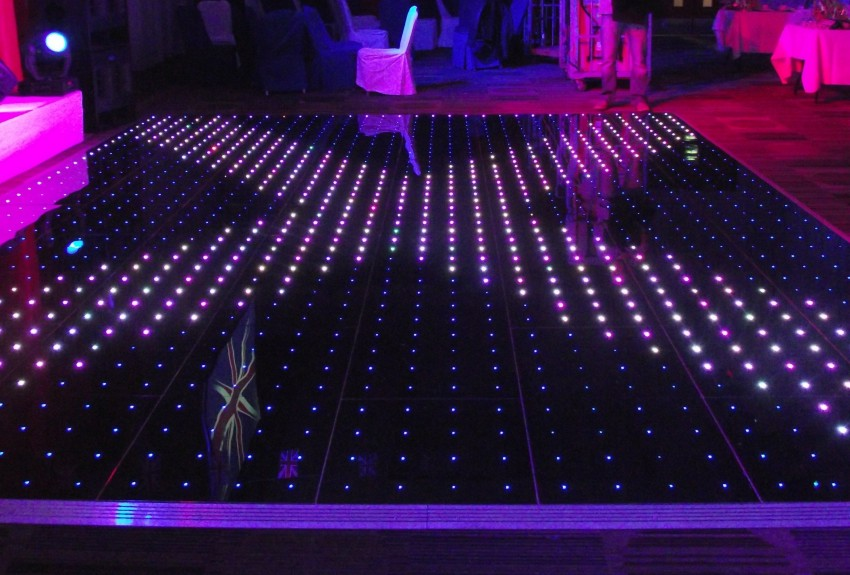 illumilok_pixel_dance_floor_2_smalll.jpg