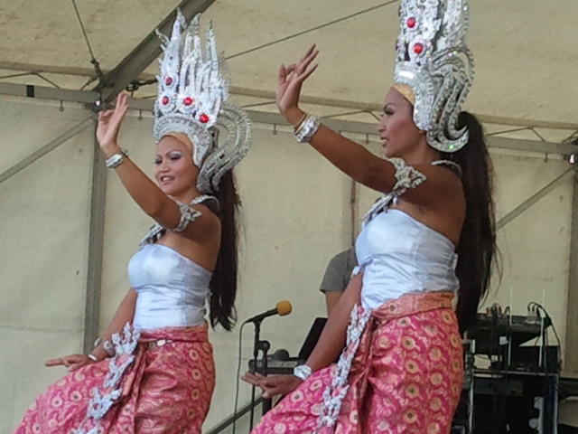 telford_thai_festival_-_traditional_thai_dancing.jpg